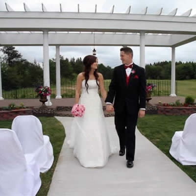 northern_pines_event_center_outdoor_weddings_2